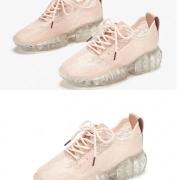 老爹鞋也可以甜美可爱!粉色款的清新甜美,轻松演绎时尚街头风采